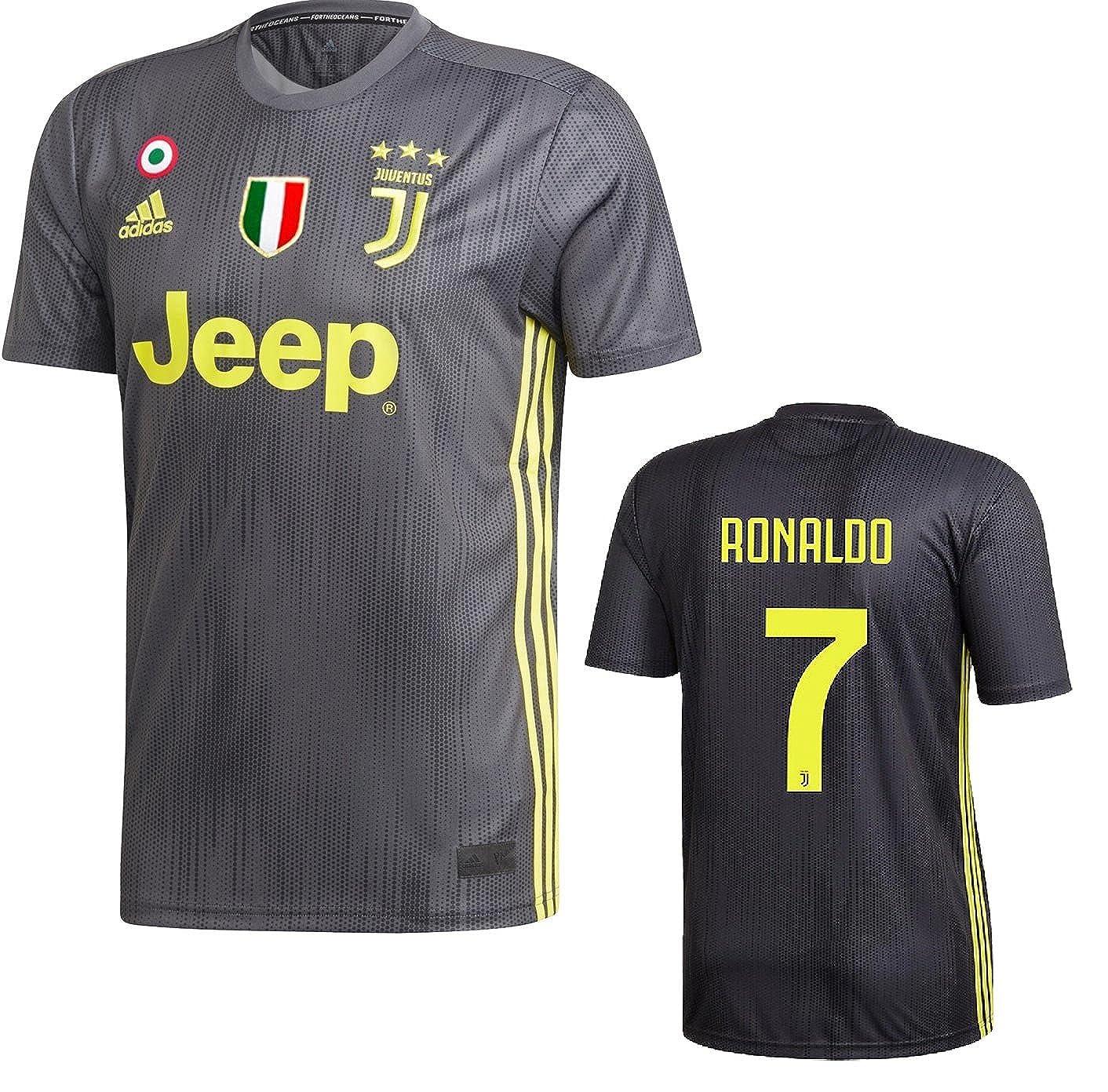 cheap for discount fddf4 fb291 Amazon.com: Juventus Ronaldo 3rd Black Jersey 2018/19 ...