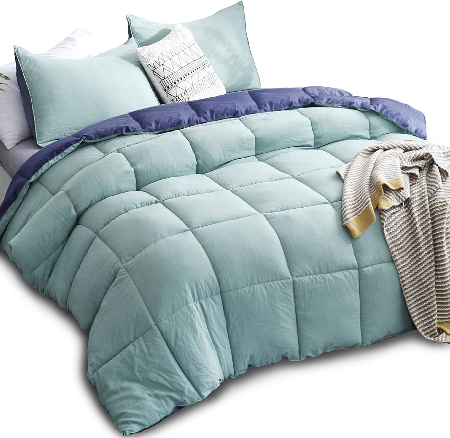 Amazon Com Kasentex All Season Down Alternative Quilted Comforter Set With Sham S Reversible Ultra Soft Duvet Insert Hypoallergenic Machine Washable Queen Turquoise Sea Green Twilight Blue Home Kitchen