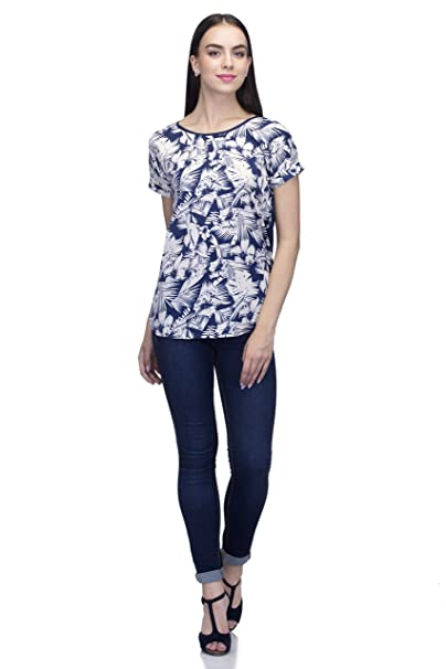 df6a6fa76b6 INDIETOGA WOMEN PLUS SIZE WHITE BLUE PRINTED CASUAL PARTY WEAR TOPS FOR  GIRLS  Amazon.in  Clothing   Accessories
