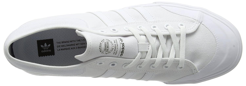 timeless design 2606f f7d1b adidas Matchcourt, Zapatillas de Skateboarding para Hombre  Amazon.es   Zapatos y complementos