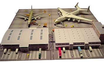 Fußbodenplatten Flugzeug ~ Herpa 526852 scenix cargo terminal kartonbausatz 1 500: amazon.de