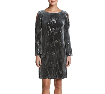 e73bb77e04e0c Jessica Howard Velvet Sequin Cold Shoulder Dress at Amazon Women's ...