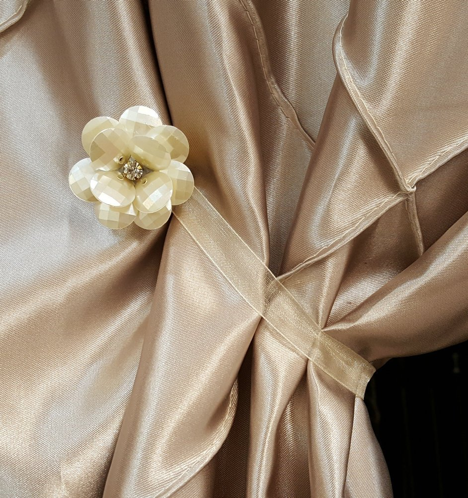 EleCharm 1 Pair Magnetic Drapery Tiebacks Clip Resin Milk White Flower Curtain Buckle by EleCharm (Image #4)