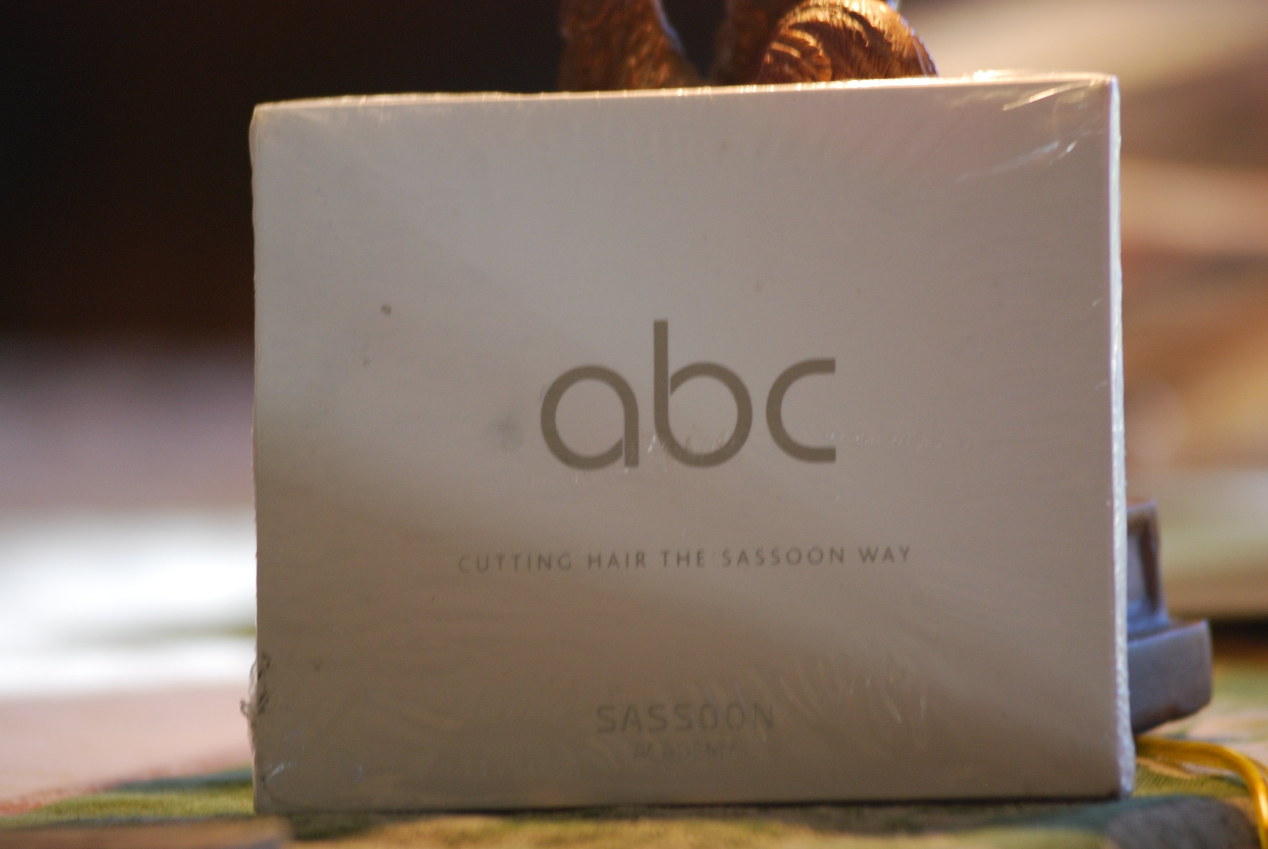 Amazon.com: ABC: Cutting Hair the Vidal Sassoon Way: Mark Hayes: Books