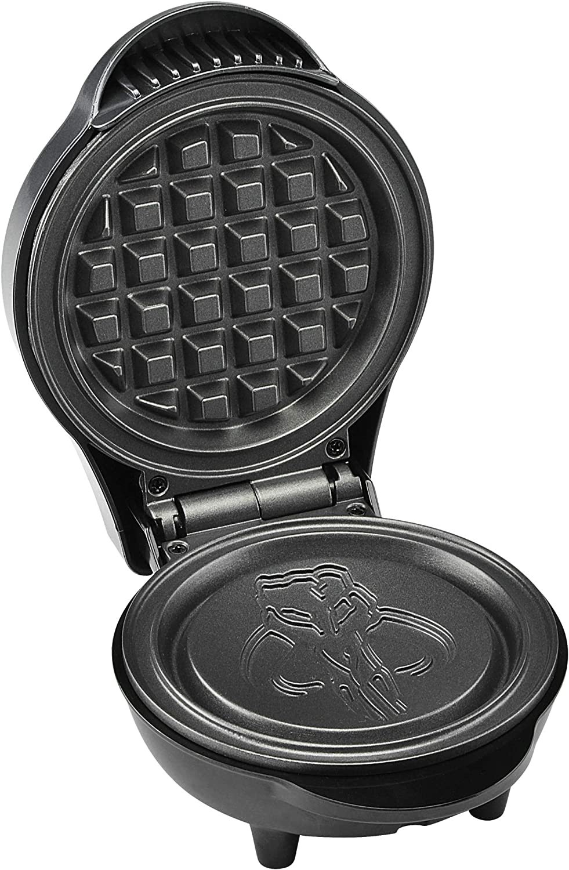 4 Star Wars LSW-46M The Mandalorian 4 Mini Waffle Maker Silver