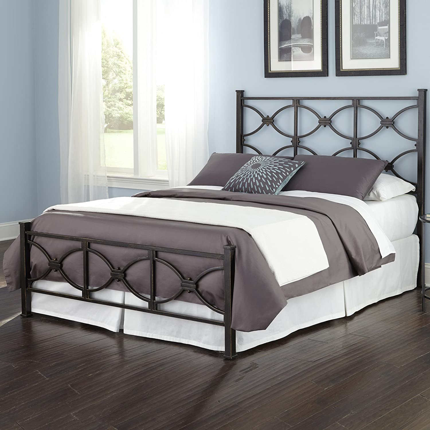 Amazoncom Marlo Complete Bed With Metal Panels And Squared Finial
