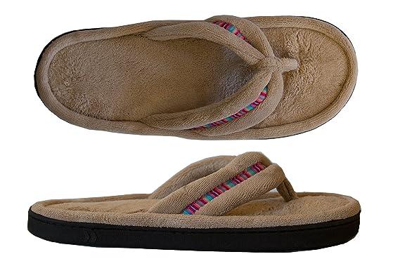 c18fc3d3fe7a Amazon.com  Isotoner Women s Microterry Rowan Thong Slipper  Clothing