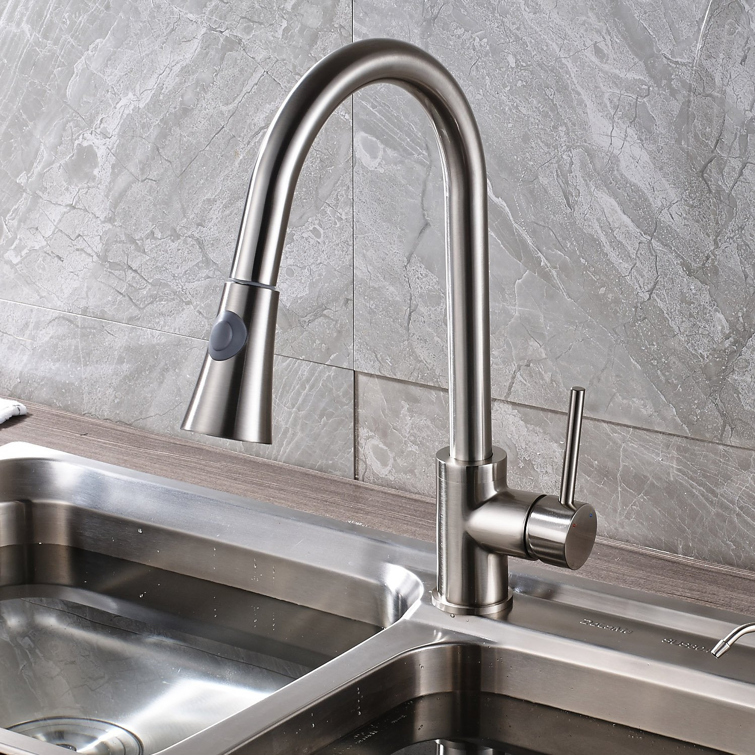 rozin single handle kitchen sink faucet pull out spray deck