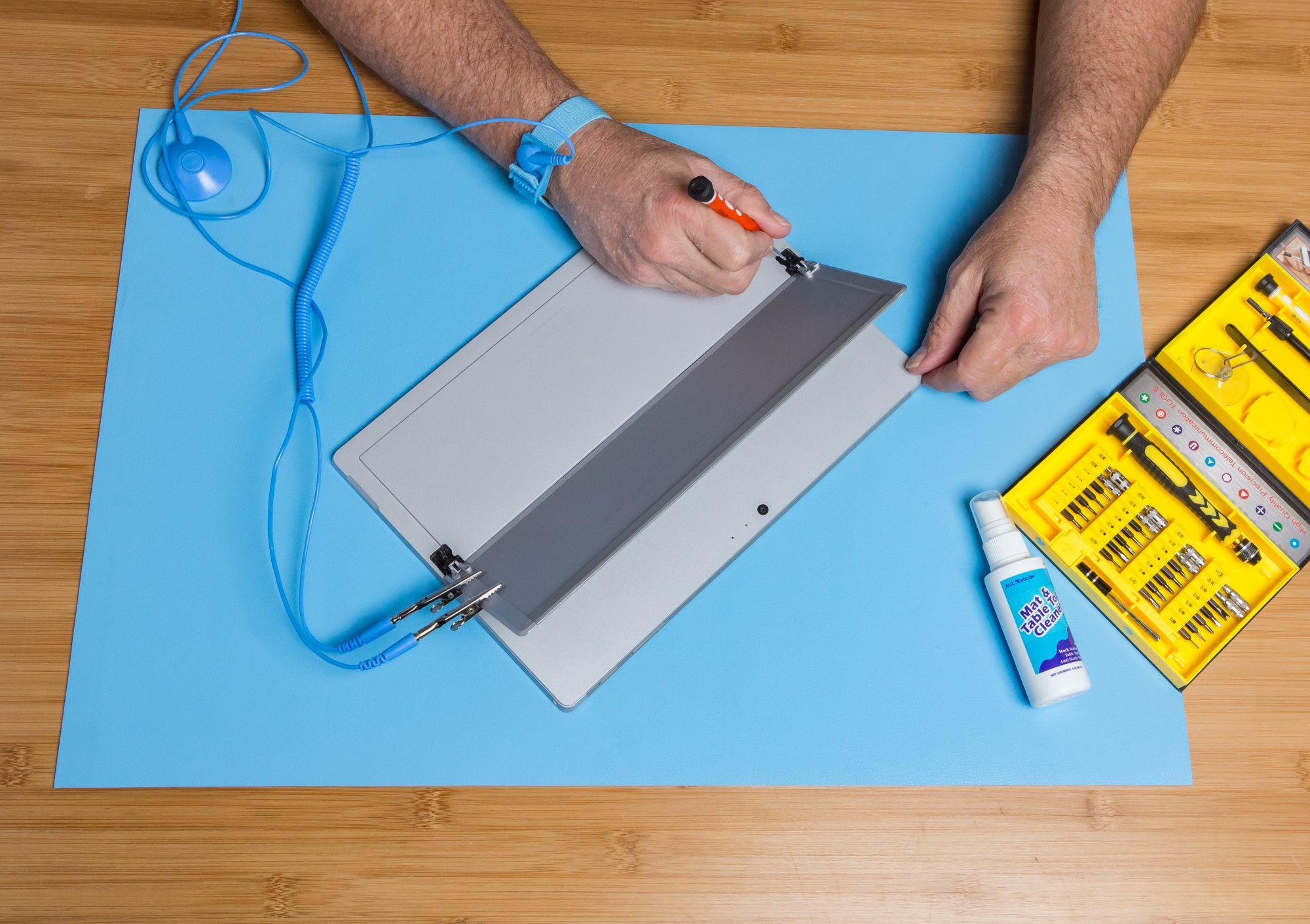 ESD High Temperature Mat Kit | 24'' x 36'' | Sky Blue | with (1) ESD Wrist Strap, (1) ESD Grounding Cord, (1) Bottle of Mat Cleaner by MagnifyLabs (Image #5)