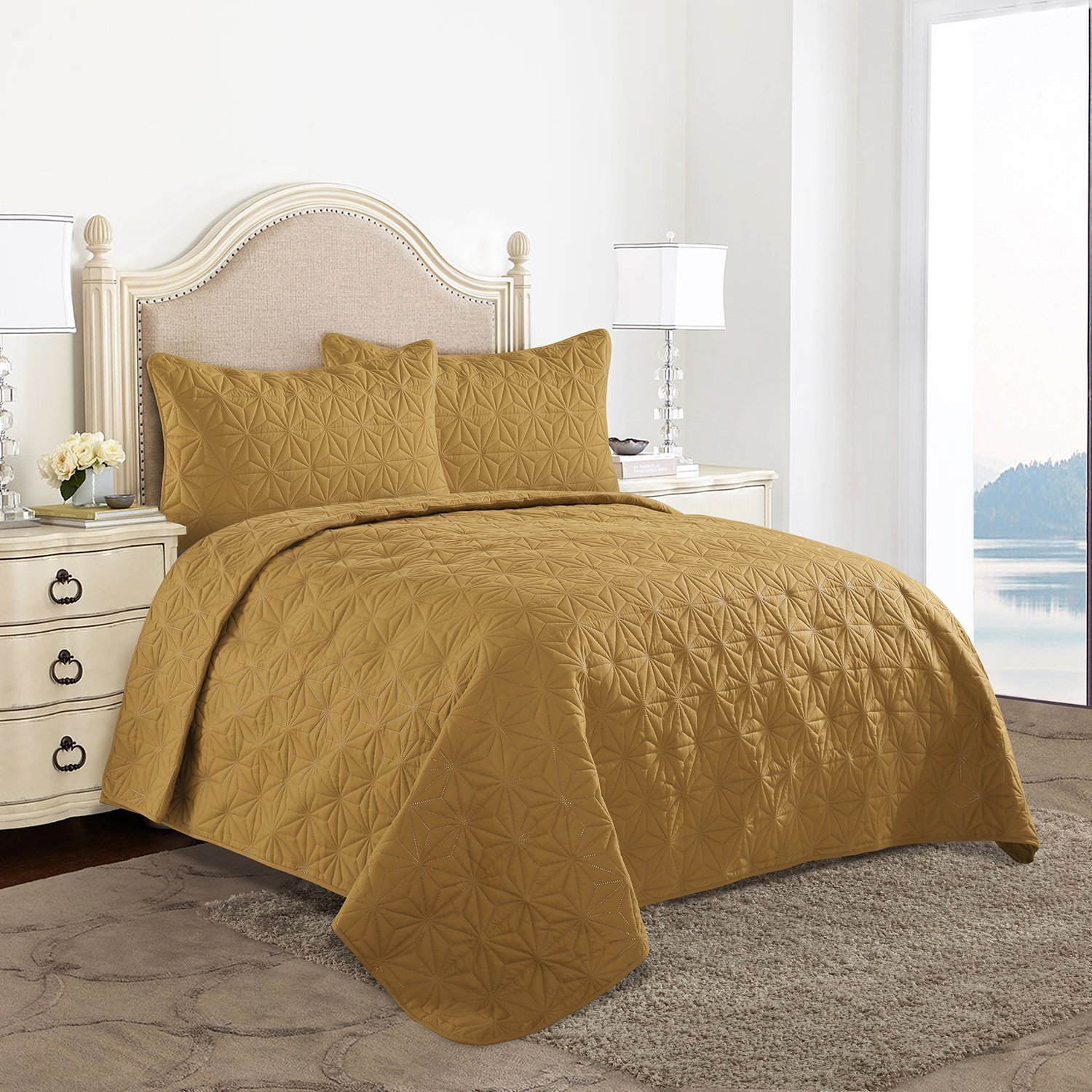 HollyHOME Snowflake Quilt Set Collection, Solid Lightweight Hypoallergenic Microfiber, 3 Pieces King Size Quilt, Golden Yellow