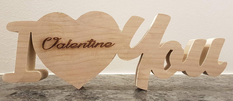 I love you + prénom - motif ''I coeur you'' chantourné et prénom gravé au laser - cadeau saint Valentin, mariage, naissance. Fait à la main.