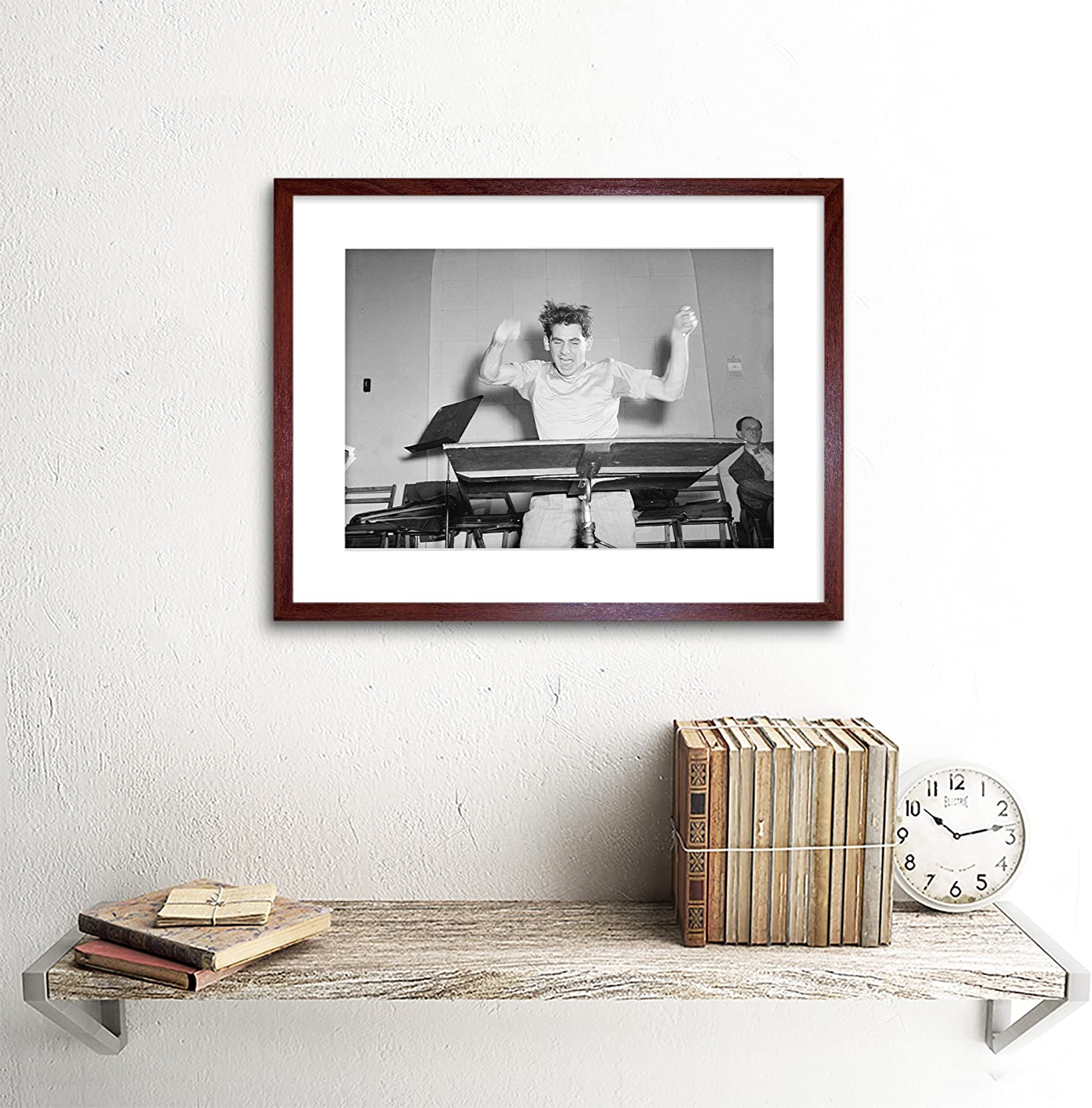 VINTAGE MUSIC LEGEND LEONARD BERNSTEIN CONDUCTING FRAMED ART PRINT B12X3750