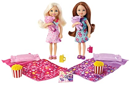 Amazon.com  Barbie Chelsea Pajama Fun Giftset  Toys   Games 45c7162e8