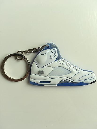 4599e71d5d40 Amazon.com   Jordan Retro 5 Metallic White Sneaker Keychain Shoes Keyring  AJ 23 OG   Sports   Outdoors