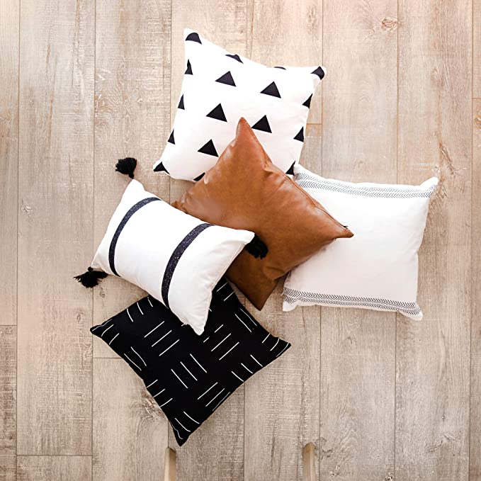 Two Queens Lane Boho Throw Pillow Covers And Cases 5 Pack 18 X 18 Mudcloth Farmhouse Bohemian Scandinavian Black And White Design Decorative Home Decor Cotton And Leather Pillow Brooklyn Set Home Kitchen Amazon Com