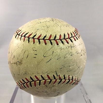 1928 NY Giants Team Signed Baseball Roger Bresnahan Mel Ott, John