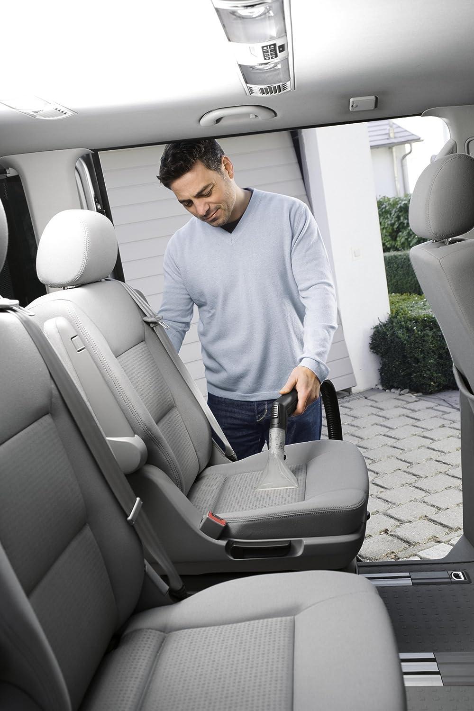 Der Waschsauger von Kärcher im Einsatz bei der Reinigung Ihrer Autositze