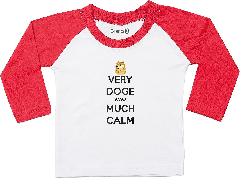 Brand88 Very Doge Wow Much Calm Camiseta De Contraste - Blanco/Rojo/Negro 24-36 Meses: Amazon.es: Ropa y accesorios