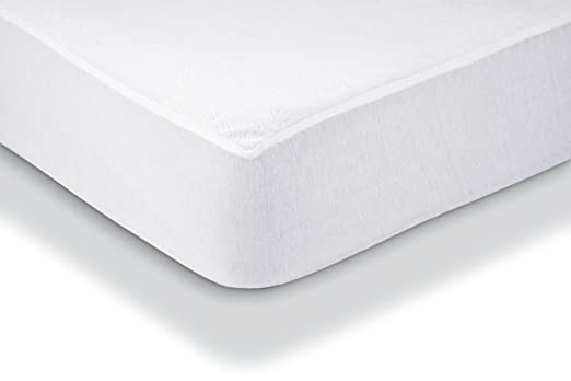 AmazonBasics - Protector de colchón de felpa impermeable 90 x 190 cm