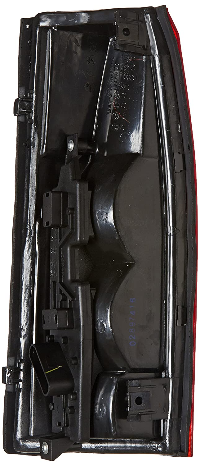 Unknown Partslink Number GM2801104 OE Replacement Chevrolet//GMC Passenger Side Taillight Assembly