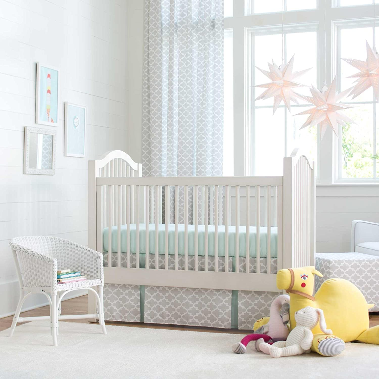 Carousel Designs French Gray and Mint Quatrefoil 2-Piece Crib Bedding Set by Carousel Designs   B00P8DTWYE