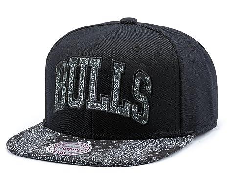 Mitchell   Ness Chicago Bulls black Bandana Arch Snapback Cap (CK008)  (Black) dda1b70932c