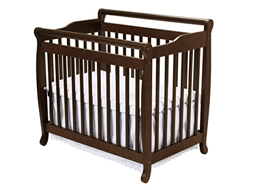 DaVinci Emily 2-in-1 Mini Crib and Twin Bed Review