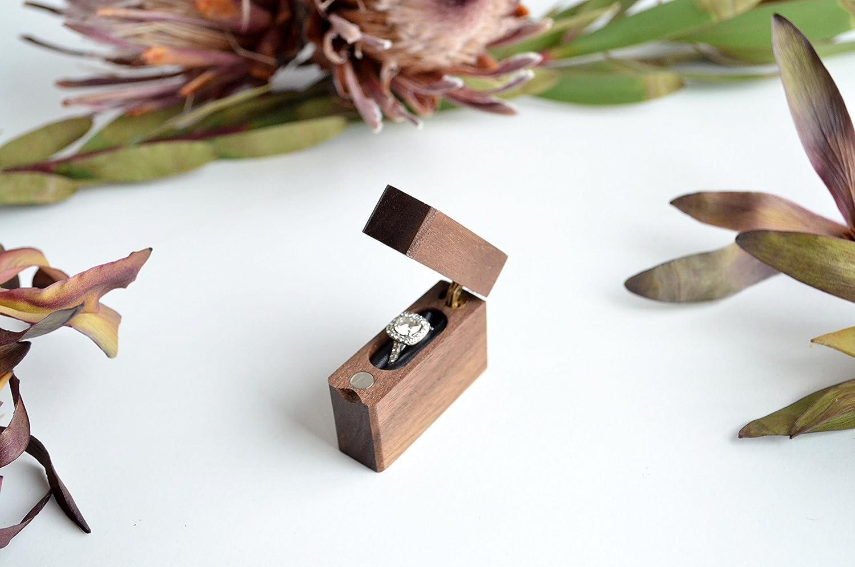 Slim Engagement Ring Box - Single-Hinge - Wanderweg Shop