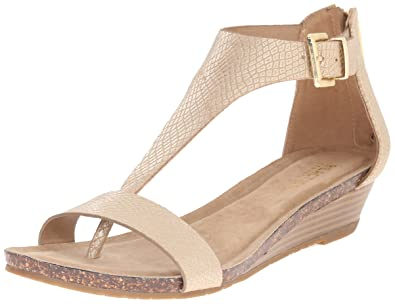 b00f6bd54a73 Kenneth Cole REACTION Women s Great Gal T-Strap Wedge Soft Gold 6 M US
