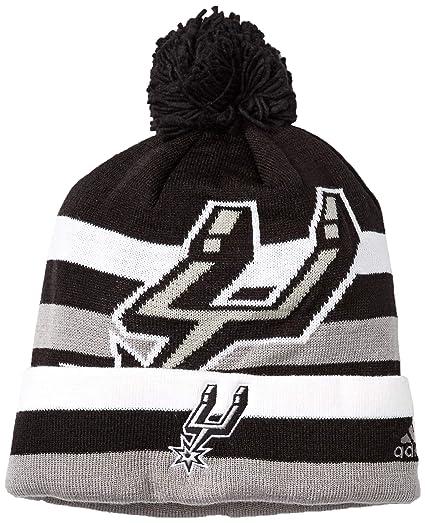 e70fb10b40a Amazon.com   NBA San Antonio Spurs Men s Standout Cuffed Knit Hat ...