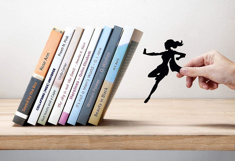Sujetalibros Superwoman de Artori Design | Regalos para lectores - Letras y Latte