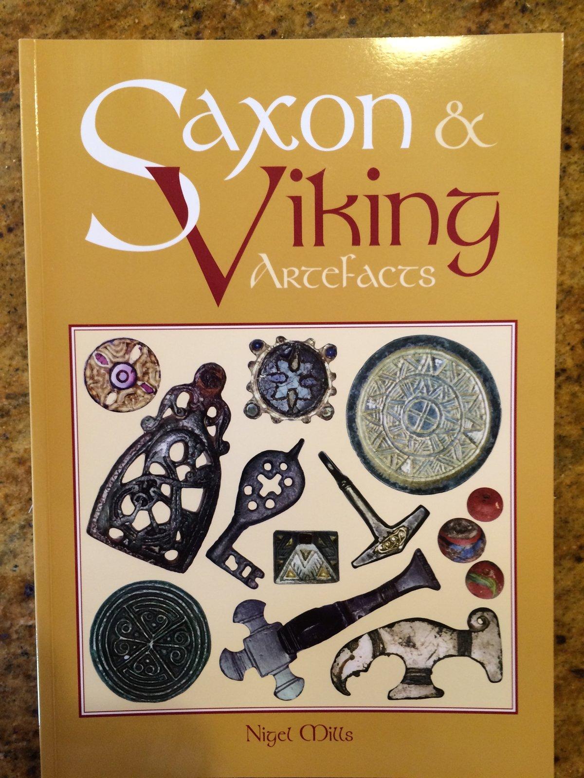 Saxon and Viking Artefacts: Amazon.es: Nigel Mills, Greg Payne: Libros en idiomas extranjeros