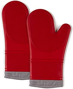 """Town & Country Living Silicone Oven Mitts 7.5""""x13"""" Mitt, Heat Resistant Machine Washable Silicone/Cotton/Polyester 2-Pack, Textured Red"""