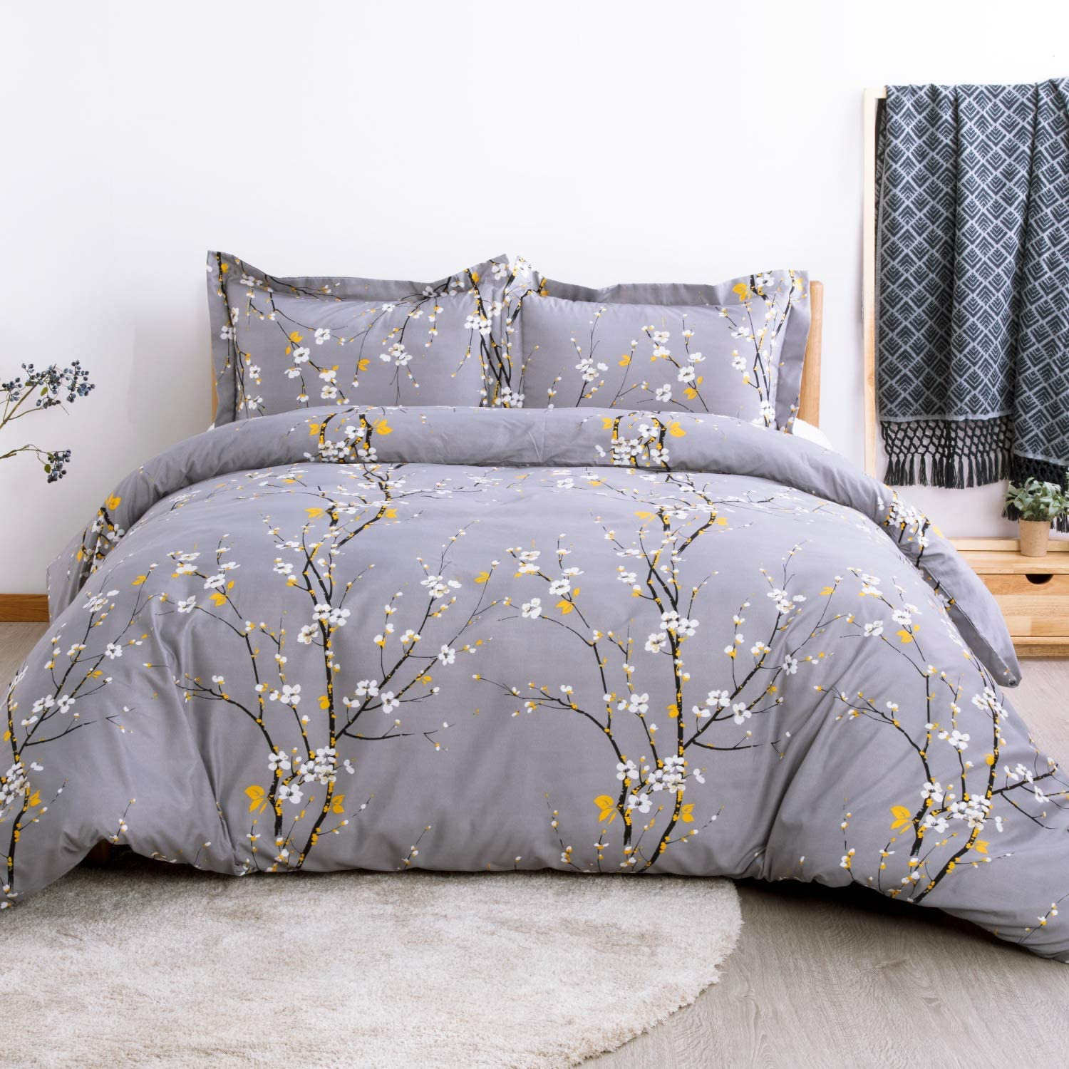 Bedsure Duvet Cover Set King Dark Grey Plum Blossom Pattern Comforter Cover 3 Pieces(104x90 inches) Soft Microfiber