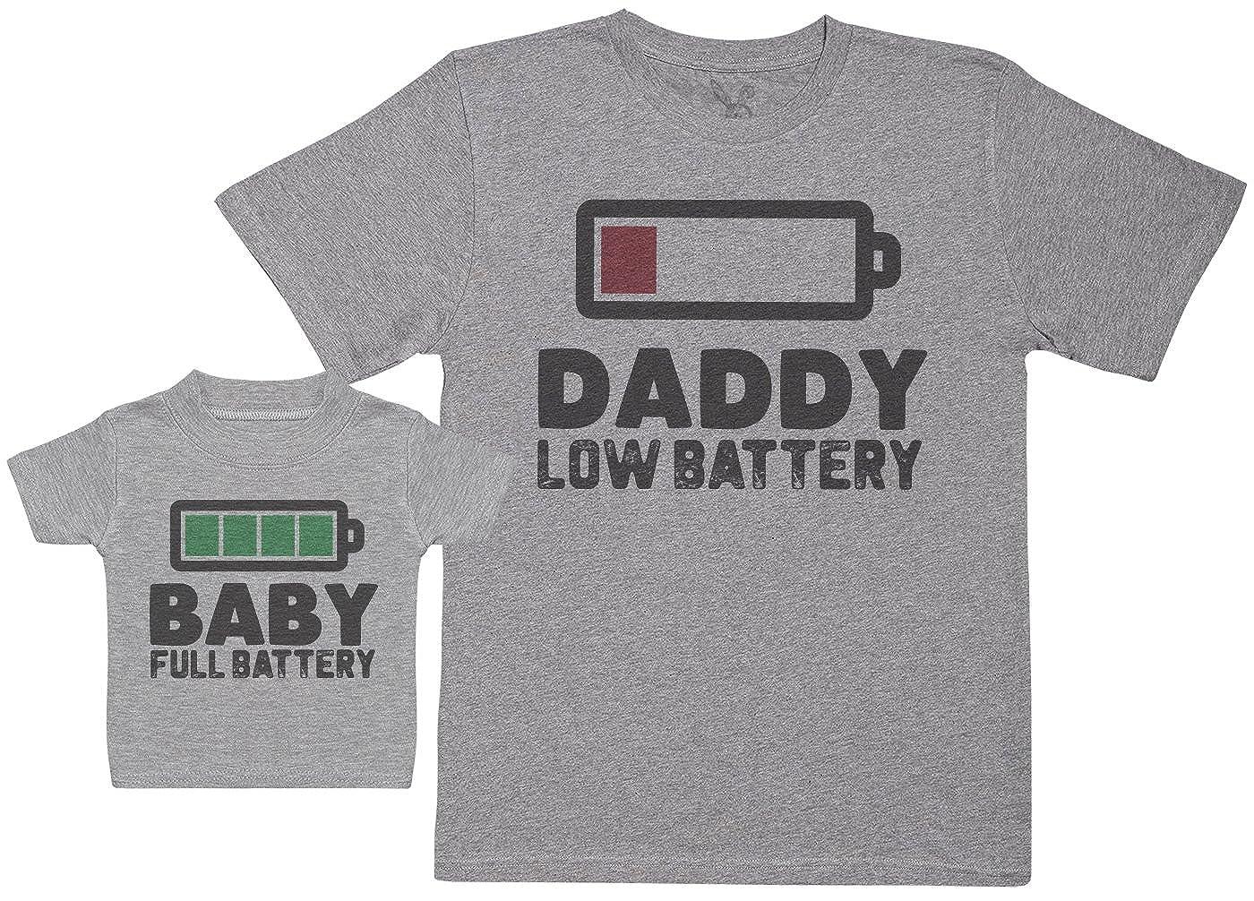 Zarlivia Clothing Baby Full Battery - Completo papà & Bimbo Abbinato, Composto da Un T-Shirt Bimbo Cotone e Una T-Shirt Uomo Cotone. a-DS4-D-BT