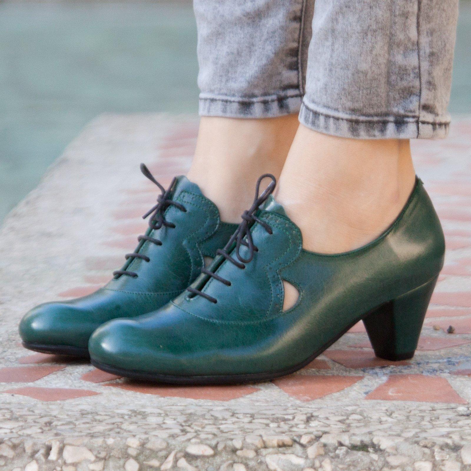 Green Handmade Leather Women's Pumps