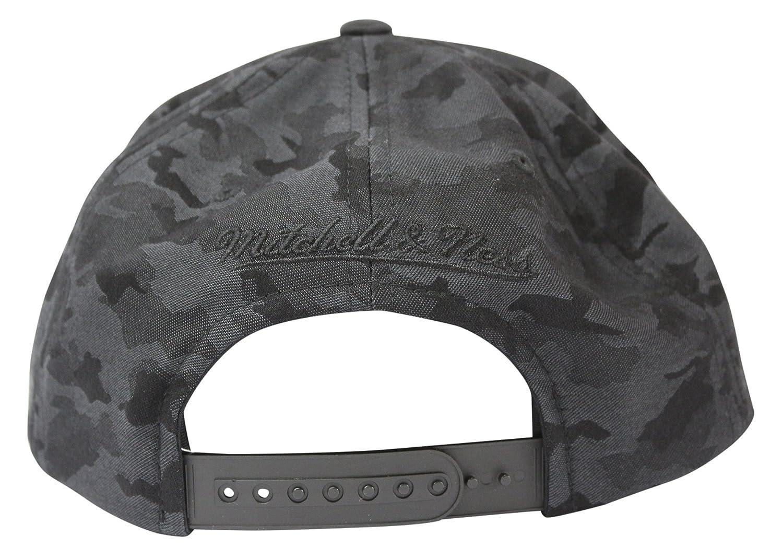 Mitchell /& Ness Mens Combat NBA Snapback Cap