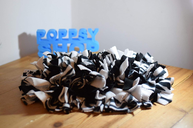 Small PoppsyMat Snuffle Hidden Treat Dog Mat 40cm x 30cm Black /& White Zebra Print