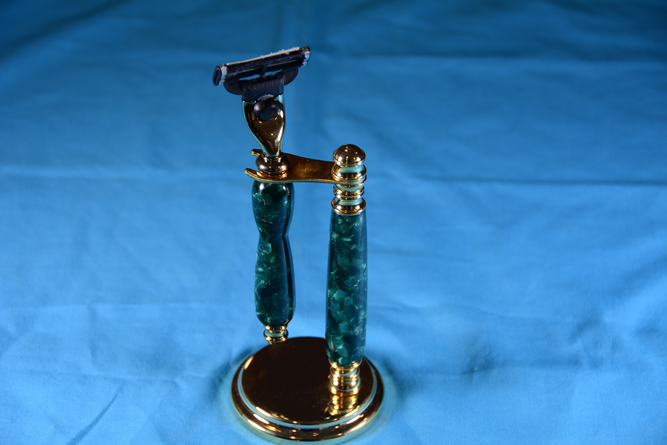 Razor handle with stand