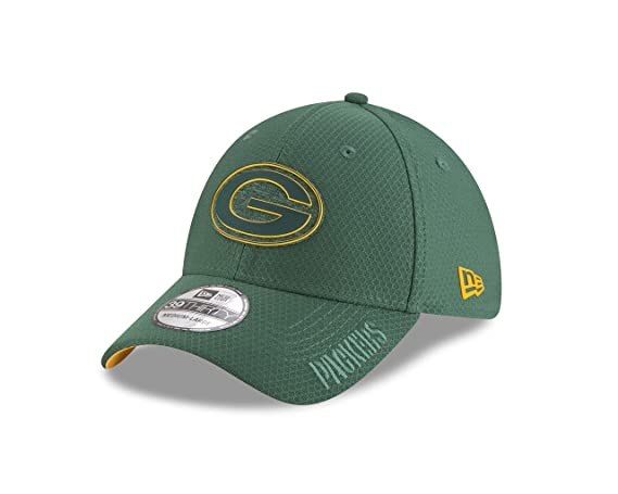 94d04b3482fc9b Amazon.com : New Era 3930 Green Bay Packers Training Onfield 2018 Flexfit  Hat (GR) NFL Cap : Sports & Outdoors