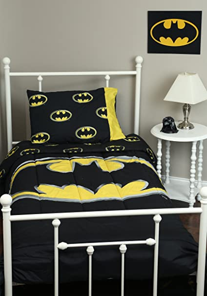Amazoncom Jpi Batman Emblem Luxury 3pc Comforter Set Reversible