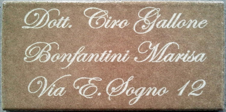 Mosaici Guizzo Targhetta in ceramica incisa_colore marrone scuro