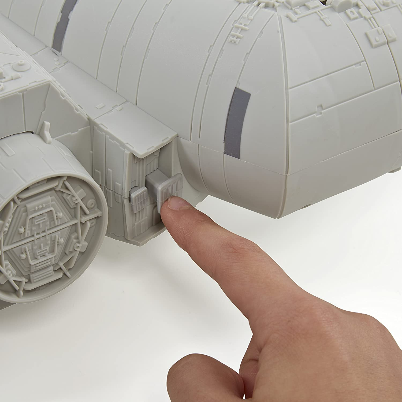 Figurine Cinéma Star Wars Episode 7 Millenium Falcon B3678eu40