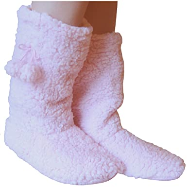 4cfda7fa4aa Ladies Fleece Lined Thermal Super Soft Fluffy Winter Slipper Boots (Baby  Pink)  Amazon.co.uk  Clothing