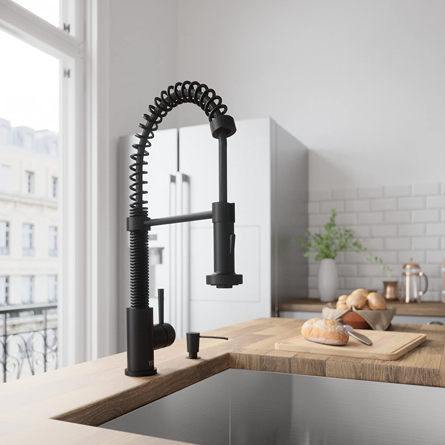 VIGO Edison Matte Black Pull-Down Kitchen Faucet with Soap Dispenser