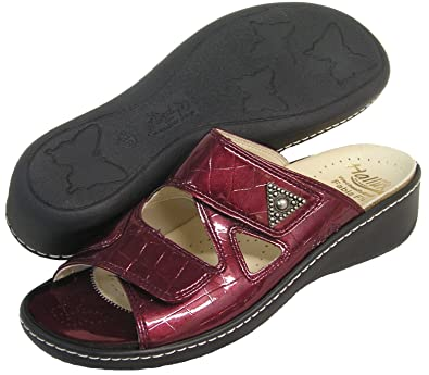 Women's Hallux Fabia Bunion Relief Slide Sandal 33709 (Bordo/Croco)