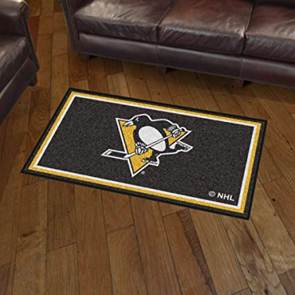 FANMATS NHL Pittsburgh Penguins Nylon Face Tailgater Rug