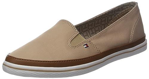 31afd8fc3 Tommy Hilfiger Women's Iconic Kesha Slip On Low-Top Sneakers, Brown (Desert  Sand