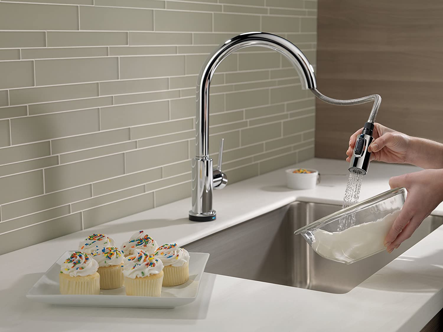 Delta 9159T-DST Trinsic Single-Handle Pull-Down Touch Kitchen Faucet ...