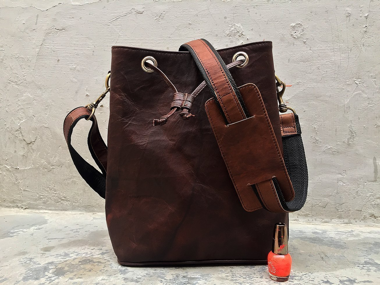 Handmade Vintage Genuine Leather Drawstring small shoulder crossbody Bucket Bag Purse Tote for Women